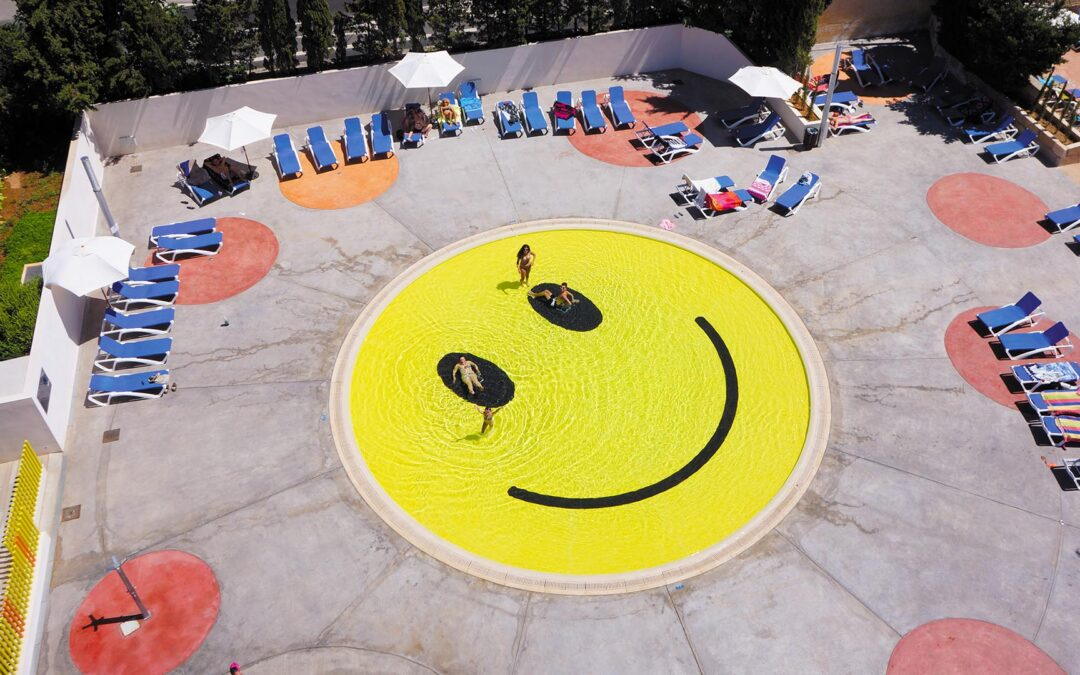 Three Awsome Swimming Pools for a Cool Summer