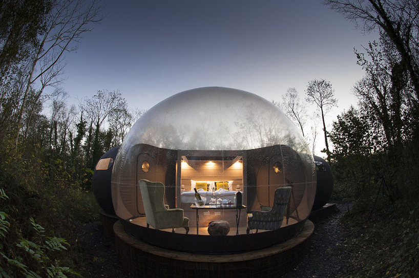 Transparent Bubbles in Irish Hotel Allow You To Sleep Under the Stars